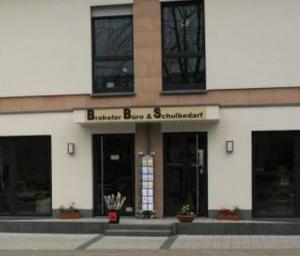 der Eingangsbereich der Fa. Brakeler Büro & Schulbedarf
